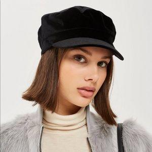 Accessories - Black velvet baker boy hat